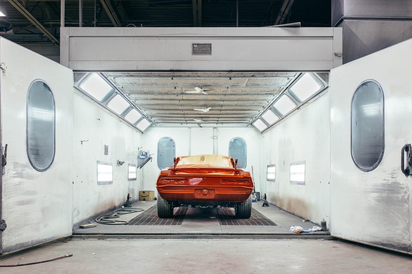 Création de peintures personnalisées adaptées à votre voiture